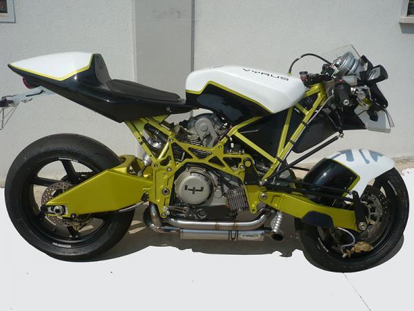 VYRUS 984